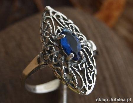 Malakka - srebrny pierścionek z szafirem