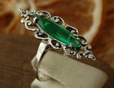 Kappa - srebrny pierścionek ze szmaragdem