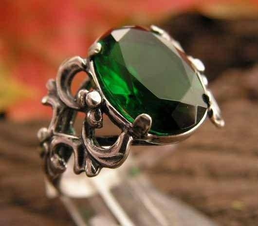 Patra - srebrny pierścionek ze szmaragdem