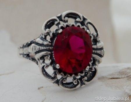 Duży srebrny pierścień z rubinem - las vegas