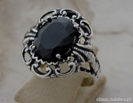 Duży srebrny pierścień z onyksem - kair
