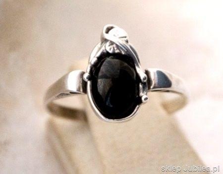 Sinamaica - srebrny pierścionek z onyksem