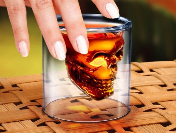 Szklanka - czaszka zagłady