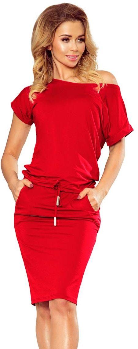 Czerwona dzianinowa sukienka z tunelem w tali