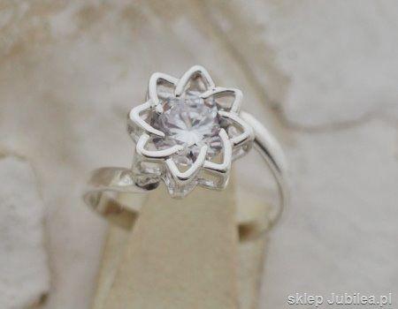 Sendai - srebrny pierścionek z cyrkonią glamour