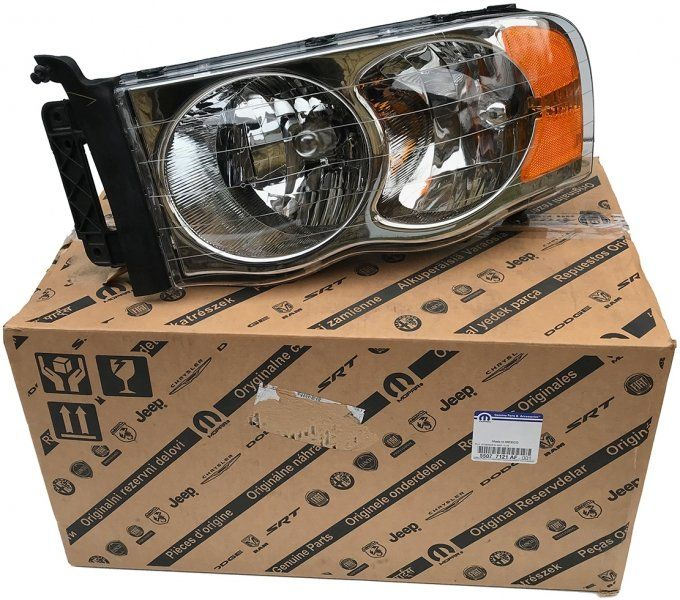 Reflektor lewy MOPAR Dodge Ram 1500 2002-2003