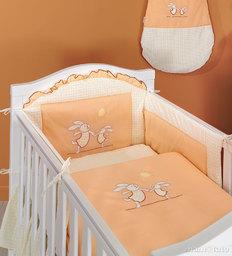MAMO-TATO Ochraniacz do łóżeczka 60x120 Wesołe zajączki brzoskwiniowe - PROMOCJA