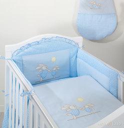 MAMO-TATO Ochraniacz do łóżeczka 70x140 Wesołe zajączki w błękicie - PROMOCJA