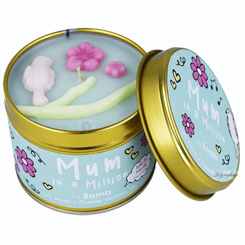 Bomb Cosmetics - Mum In a Million Tinned Candle - Ręcznie wytwarzana świeca zapachowa z olejkami eterycznymi - MAMA JEDNA NA MILION