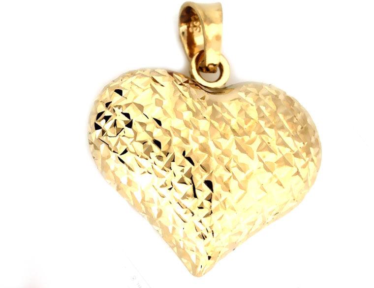 Złota przywieszka 333 diamentowane serduszko