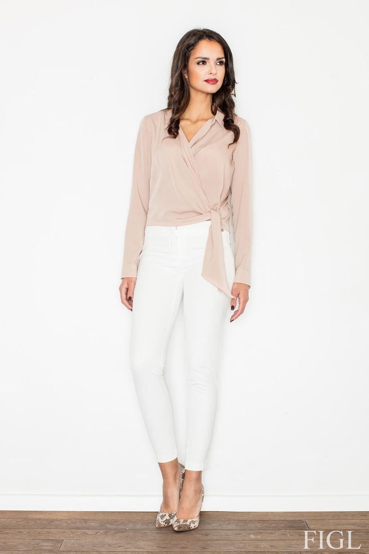 Beżowa elegancka bluzka z kopertowym założeniem