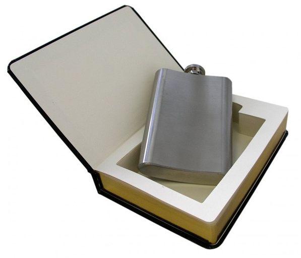 Dobra książka z piersiówką
