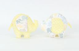 """MAMO-TATO Zabawka słonik sensorek """"M"""" Słonie jasne / żółty"""