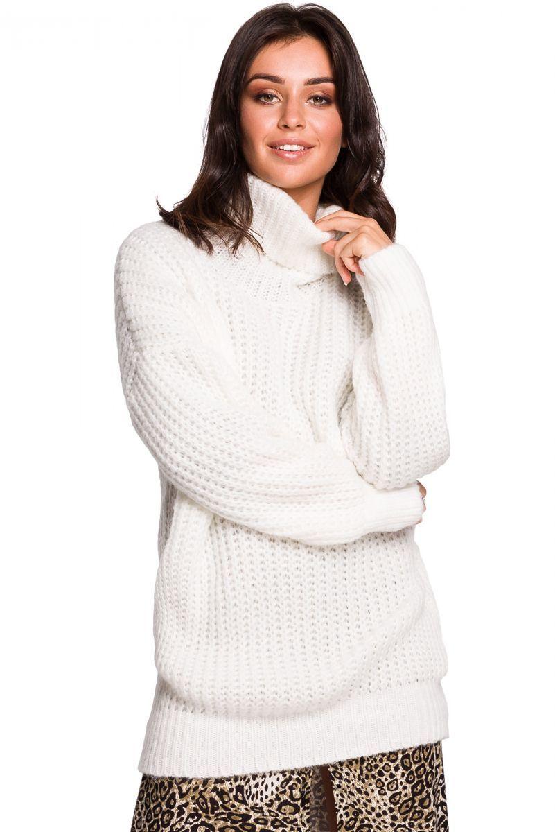 BK030 Długi sweter z golfem - biały