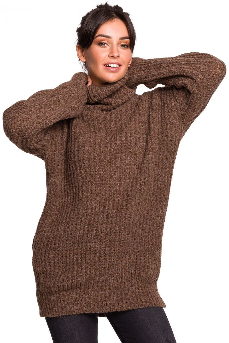 BK030 Długi sweter z golfem - karmelowy