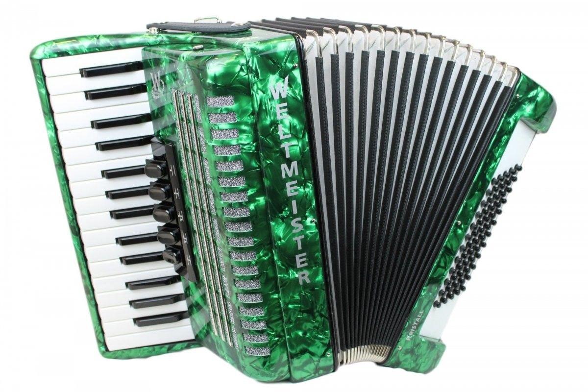 Weltmeister Kristall 30/60/III/5 akordeon zielony