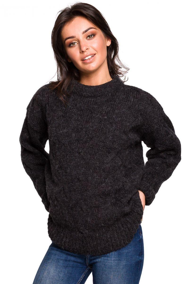 BK038 Sweter ze splotem typu warkocz - antracytowy