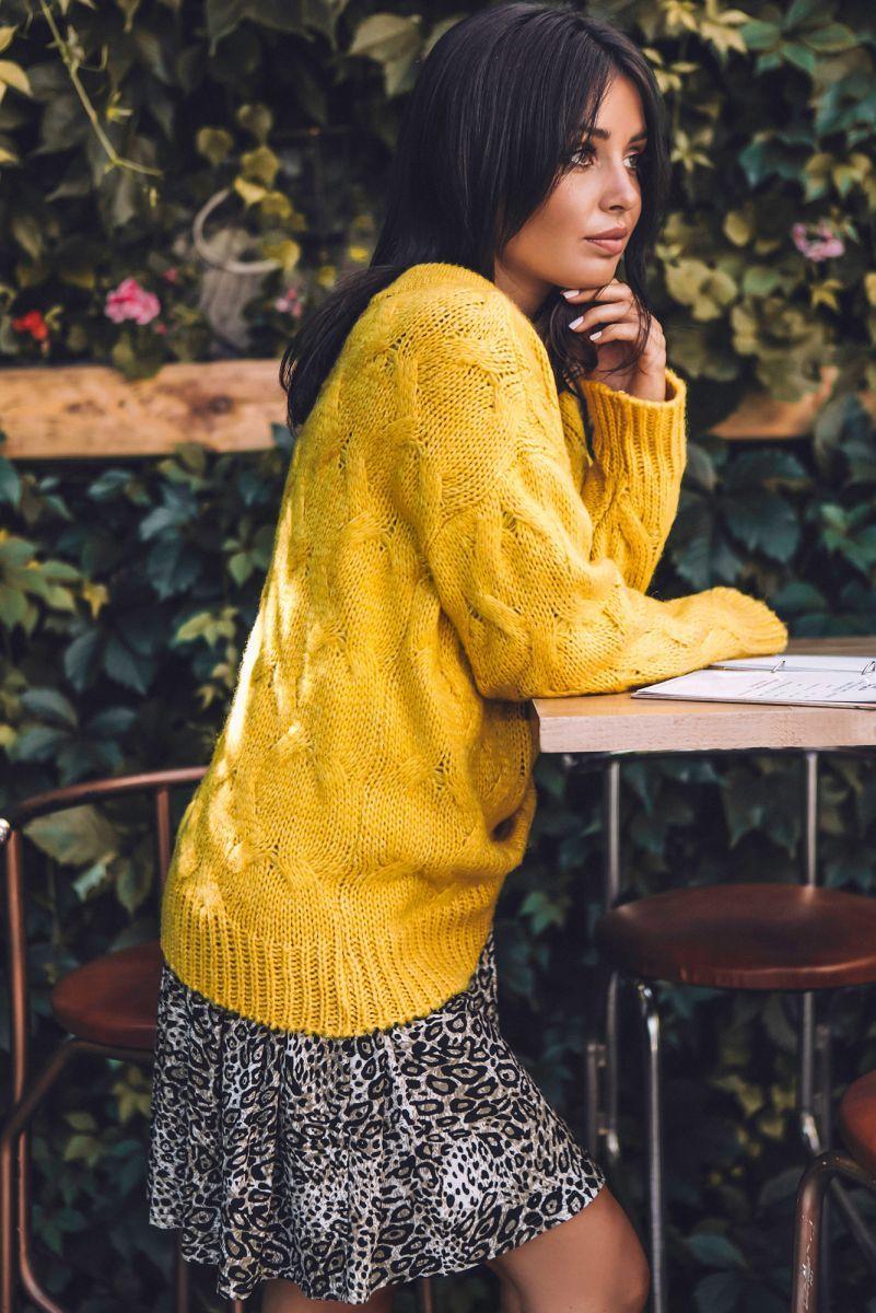 BK038 Sweter ze splotem typu warkocz - miodowy