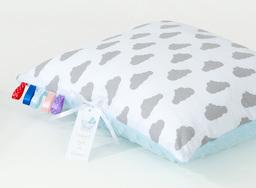 MAMO-TATO Poduszka Minky dwustronna 30x40 Chmurki szare na bieli / błękit
