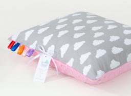 MAMO-TATO Poduszka Minky dwustronna 40x40 Chmurki białe na szarym / róż