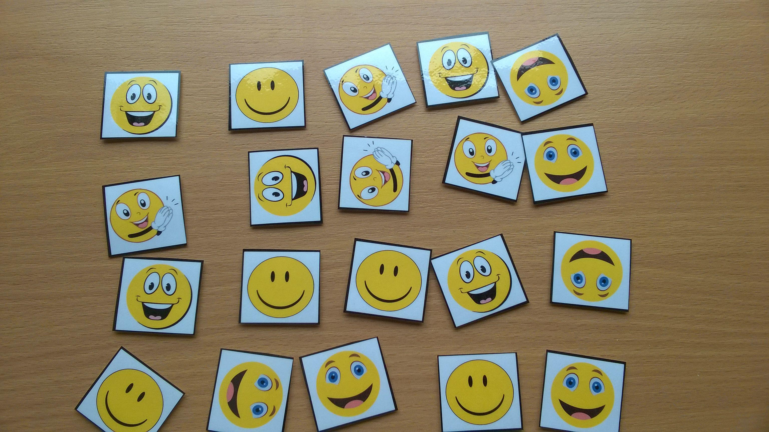 Dodatkowe znaczki motywacyjne do tablicy motywacyjnej 20 szt. - buźki smutne, buźki wesołe, serca