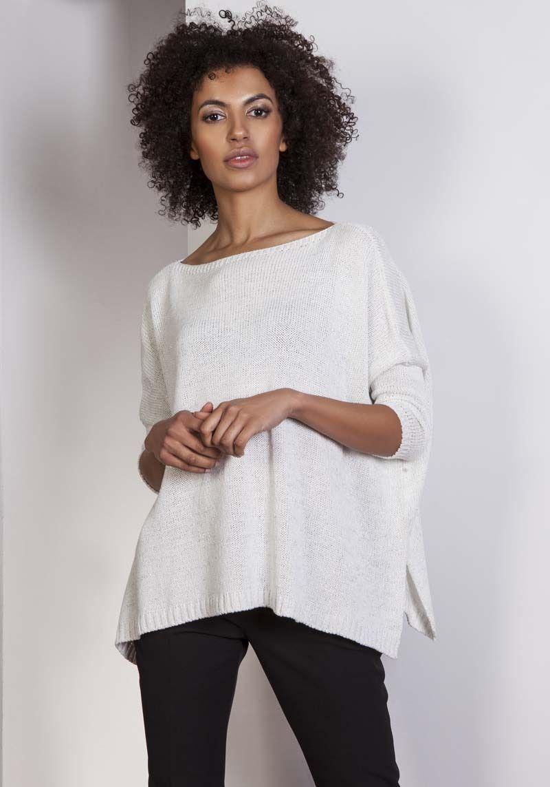 Ecru oversizowy sweter z metaliczną nitką