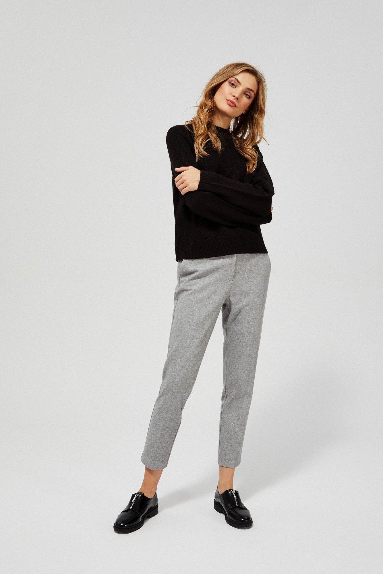 Spodnie w kant z elastyczną talią