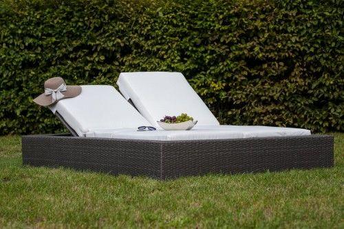 Łóżko ogrodowe z szarego technorattanu poduszki ecru