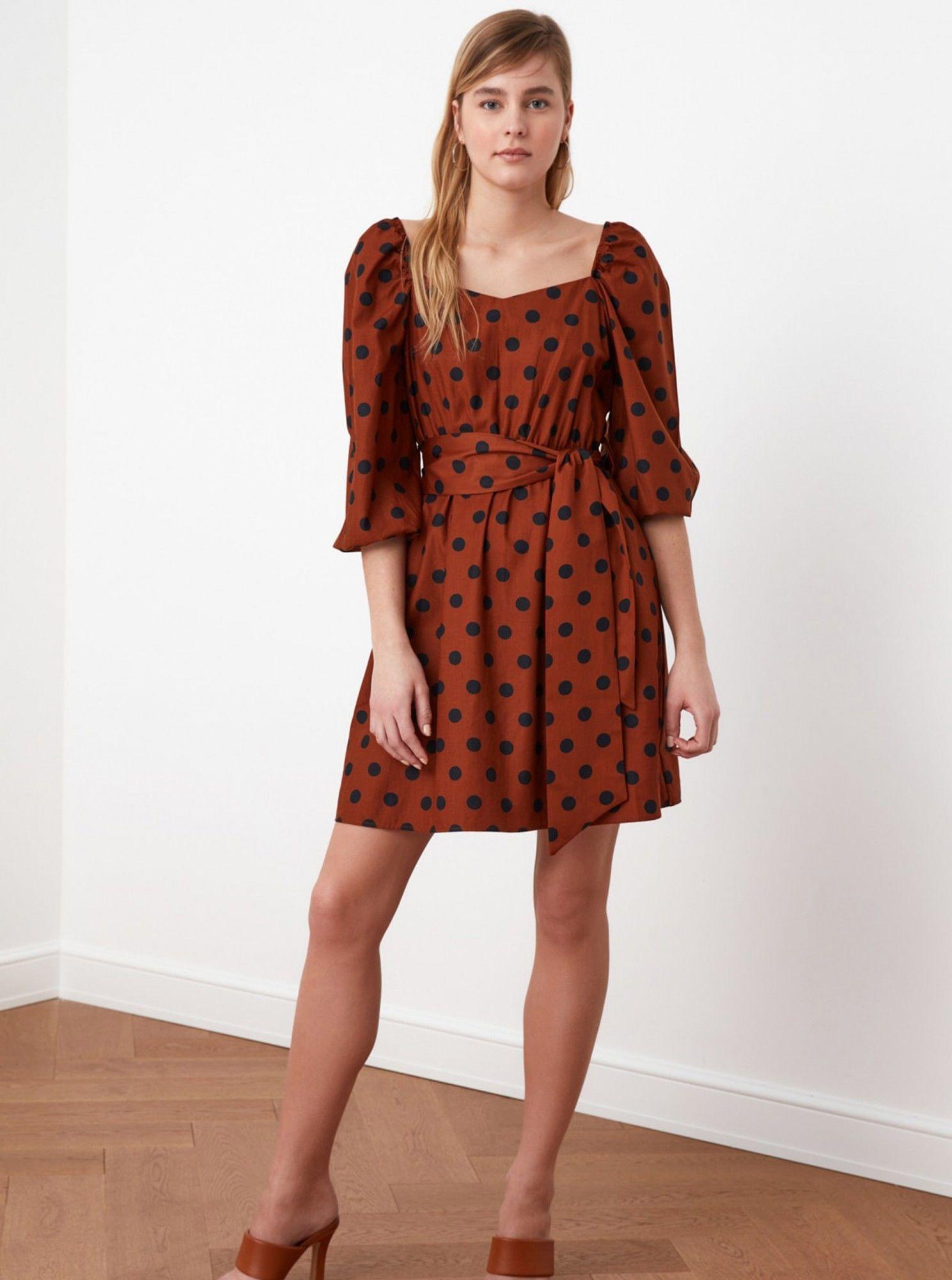 Trendyol brązowa sukienka w groszki