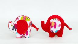 """MAMO-TATO Zabawka słonik sensorek """"M"""" Słoniaki różowe / czerwony"""