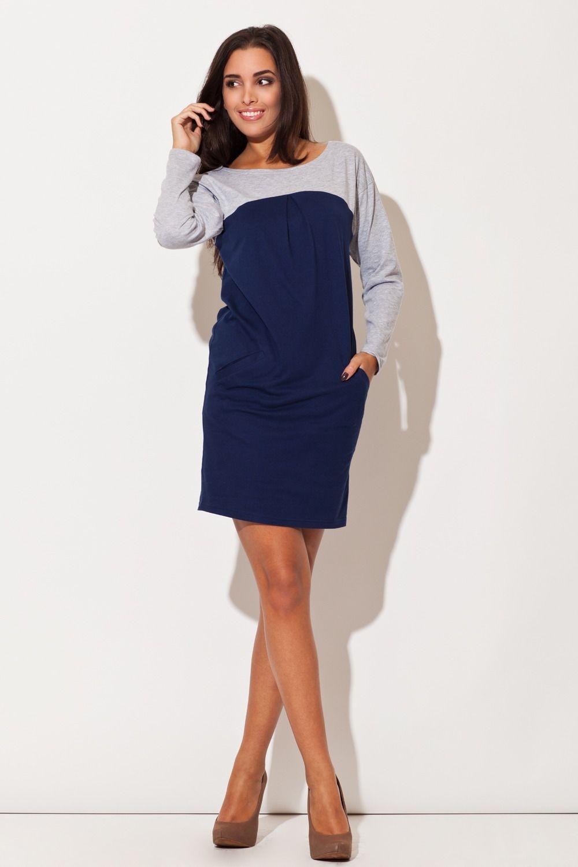 Niebieska sukienka w stylu lat 60-tych