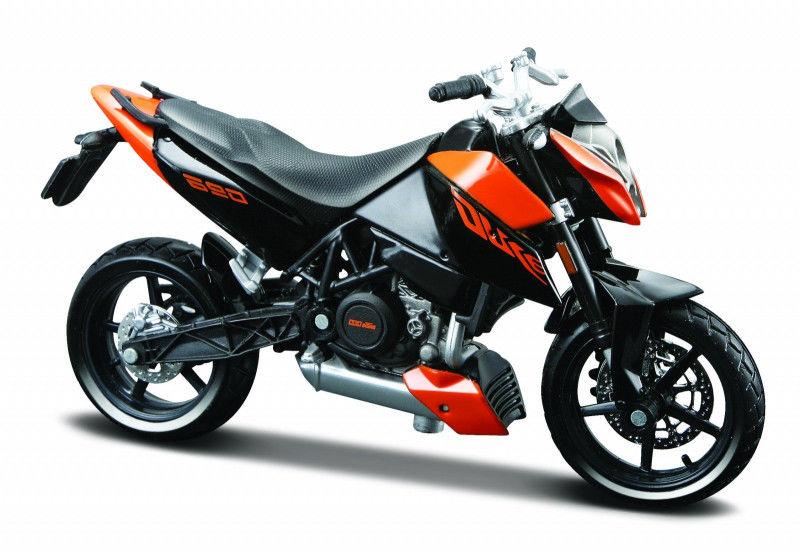 Motocykl KTM 690 Duke 3 z podstawką 1/18