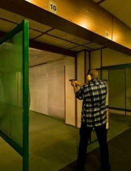 Strzelanie z Kałasznikowa na strzelnicy  Chorzów