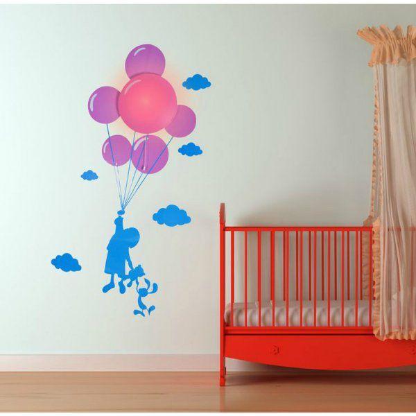Naklejka i światło na ścianie - dziewczynka z balonami