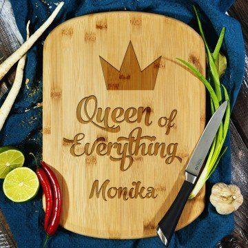 Queen of everything - deska do krojenia z grawerem