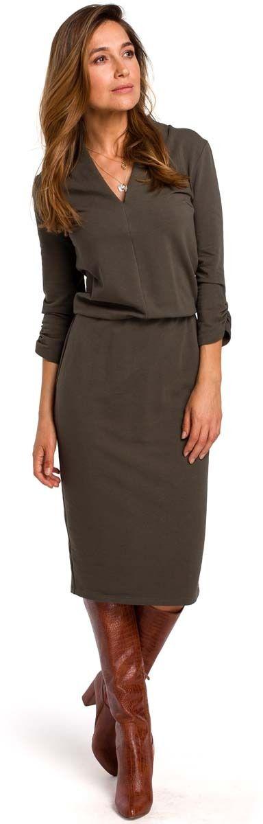 Oliwkowa dzianinowa sukienka w szpic z gumką w talii