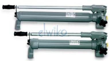TWZ-0,7 - pompa ręczna wysokociśnieniowa