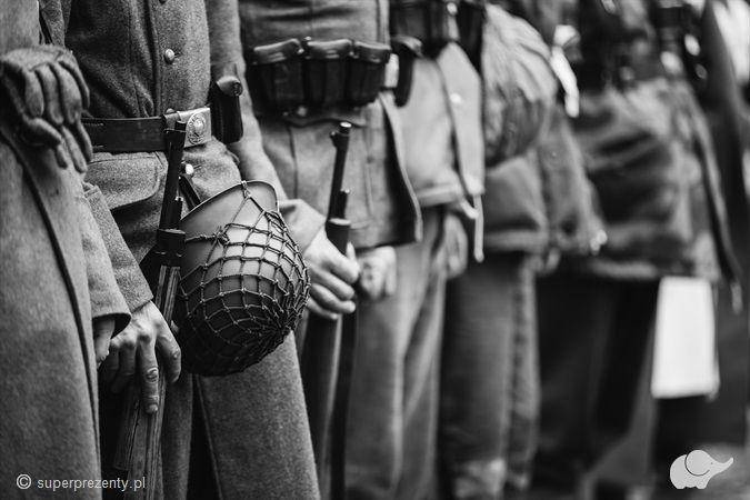 """Voucher na strzelnicę - Pakiet """"II Wojna Światowa"""" w Warszawie"""
