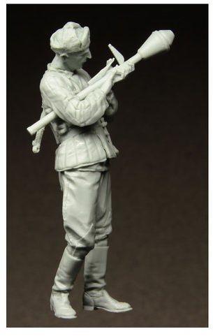 Figurka Radziecki Żołnierz z RPG , Berlin 1945 1/35 Stalingrad