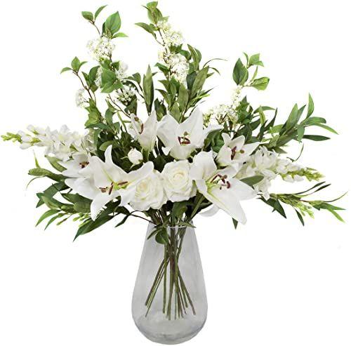 Wysokiej jakości sztuczny biały bukiet  kompozycja kwiatowa z liliami, różami, delfinami, kwiatami starszego i roślinnością  idealny prezent na Boże Narodzenie