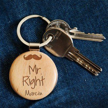 Mr. Right - Brelok drewniany