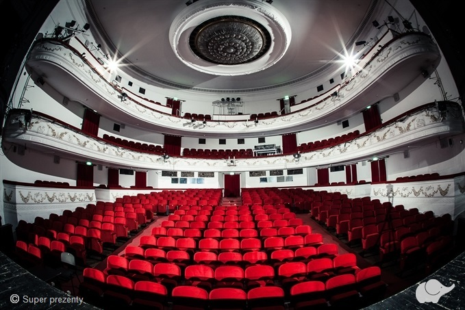 Voucher do Teatru Dramatycznego dla dwojga w Warszawie