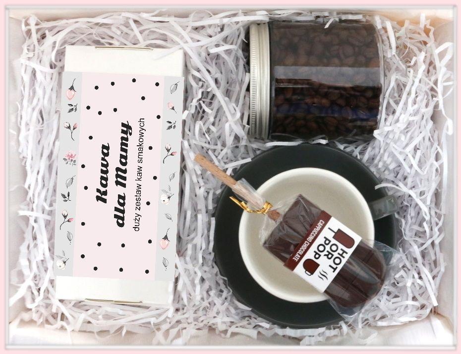 Zestaw prezentowy dla mamy Stylowa Mama. Herbata sypana 20x5/8g, kawa ziarnista 200g waniliowa, słodki przysmak, filiżanka ze spodkiem