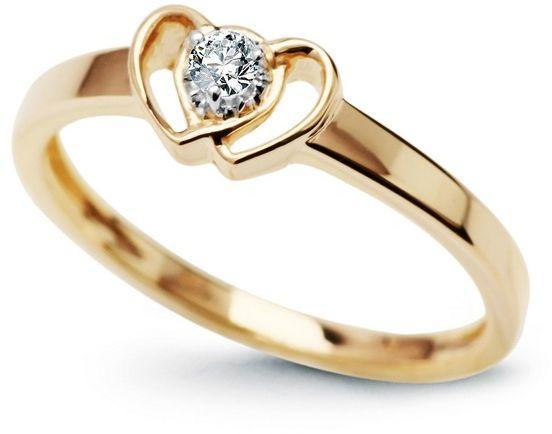 Staviori pierścionek. żółte złoto 0,585. 1 diament, szlif brylantowy, masa 0,05 ct., barwa g, czystość si1. korona 7,5x4,7 mm.