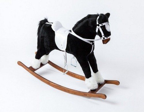 Czarny koń dla dzieci z jasnym siodłem, koń na biegunach