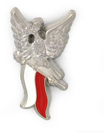 Orzełek - lecący, z polską flagą