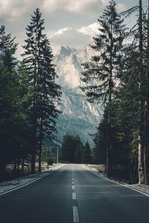 Droga w góry - plakat wymiar do wyboru: 40x50 cm