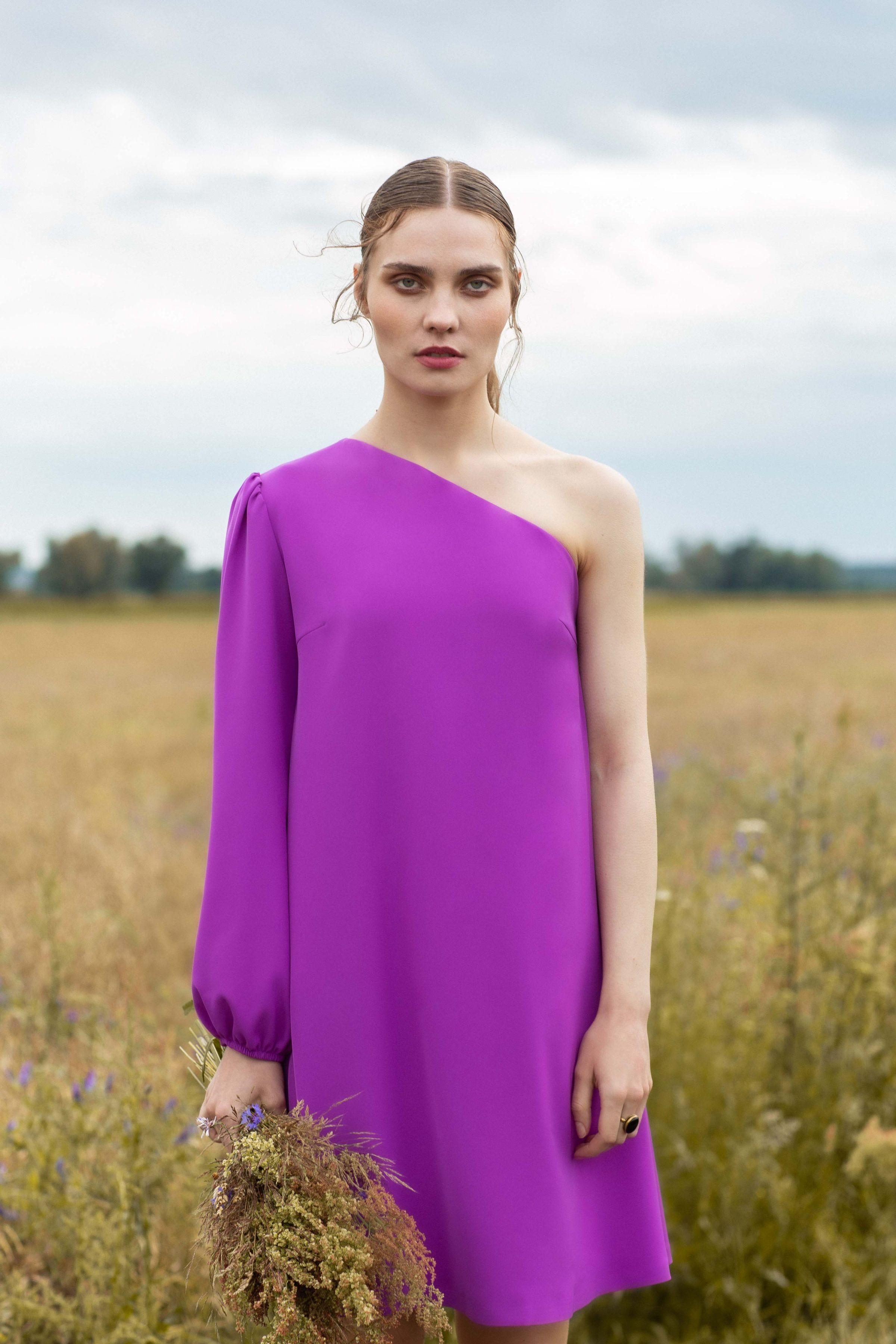 Luźna sukienka na jedno ramię - lawendowa