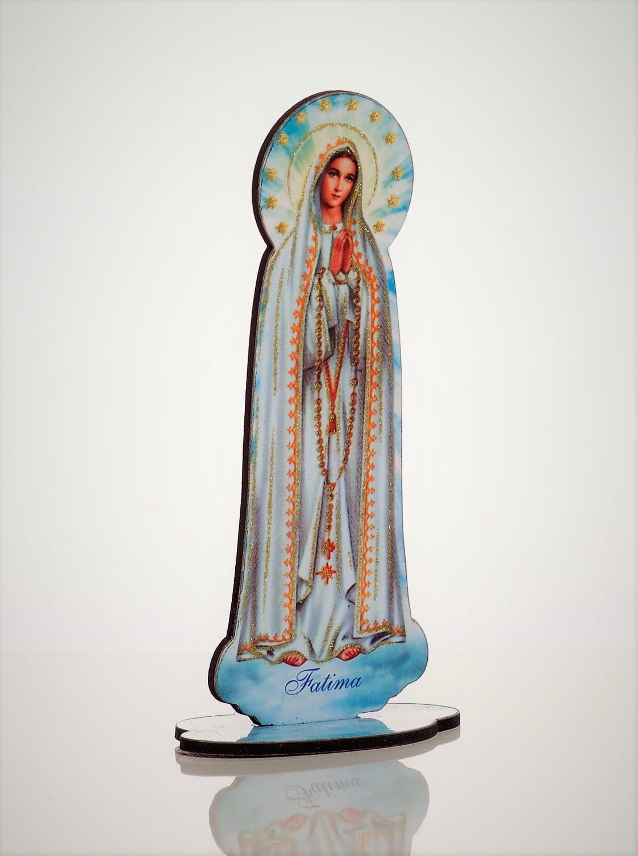 Drewniana figurka Matki Boskiej Fatimskiej