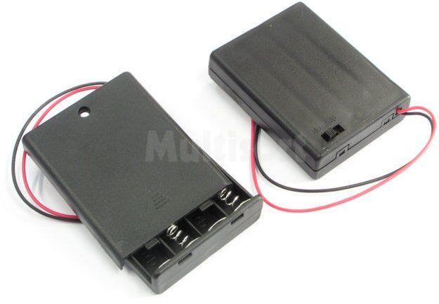 Zamykany pojemnik na 4 baterie R03 z przewodami i wyłącznikiem
